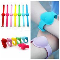 10ml Hand Sanitizer silicone del braccialetto del polso a forma di cuore Wristband portatile Soap Dispensing Squeezy Strap Anello braccialetto RRA3603