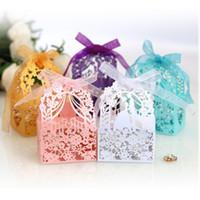 드라 선물 상자 종이 중공 아웃 결혼식 호의 포장 100PCS 로맨틱 레이저 컷 결혼식 사탕 상자 신부 신랑 조각 패턴
