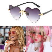 Солнцезащитные очки Женщины Стильное Спецификация Ориентированная металлическая рамка для окружающей среды Ультрафиолетовая защита от ультрафиолета Солнцезащитные очки для пляжного праздника Фестиваль