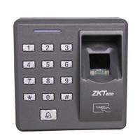 ZK X7 500 Modèles Capacité Lecteur d'empreintes digitales biométriques innovantes pour les applications de contrôle d'accès avec lecteur de carte et clavier