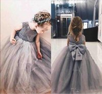 Barato gris princesa vestidos de flores niña de la joya cuenco grande del Applique del cordón de chicas desfile de vestidos para niños pequeños niños una línea vestido de los cabritos cumpleaños
