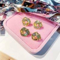 Designer-Bolzen-Ohrringe für Frauen-Gold Luxuxschmucksachen Diamant-Bolzen Mode Pendientes De Diseño Hochzeit Zubehör