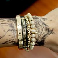 Homens jóias pulseira 4pcs / set coroa encantos Macrame contas jóia luxo Pulseiras trança Man para as mulheres pulseira Y200810 presente
