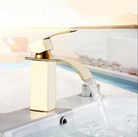 فيدريك الوافدين صنبور الحمام والباردة مربع النحاس حوض شلال بالوعة وحيد مقبض صنبور المياه الحنفيات