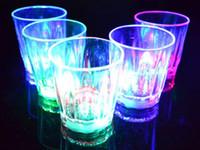 Decoração de festa de Natal LED piscando brilhante copo de água luz-acima caneca de vidro luminoso bar copo