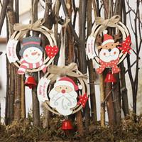 2021 Árvore de Natal de madeira oca de Natal Pendant Com sino pendurado Gota festa natalícia do ornamento Decorações da porta janela Sinos