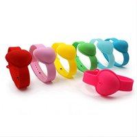 10ml Hand Sanitizer silicone del braccialetto del polso a forma di cuore favore Kid Wristband portatile Dispensing Squeezy Sanitizer braccialetto del partito regalo LJJP512