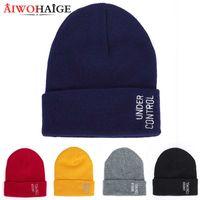tricotés hommes tricot lettre décontractée tuques skullies quelques chapeaux AIWOHAIGE 2020 Nouveau chapeaux de froid d'hiver femmes broderie lettre