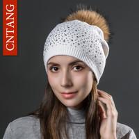 Vários estilos Mulheres de lã de malha Chapéus de Moda Rivet Com Natural real Raccoon Fur Pompom Cap Gorros Inverno Hat Quente Para as mulheres