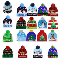 Weihnachten Halloween LED Leucht Kappe Knit Beanies Winter warm Light Up Ball-Schädel-Kappen-Karikatur Nacht Blitz Gorros Ski Bonnet A120502