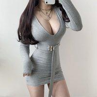 Xibani Deep V Niedrige Brustgrube Pit Streifen Kleid Frauen Mini Sexy Dünne Mode Kleid mit Gürtel Langarm Herbst und Winter T200815