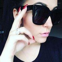 ماكس غلاسيز أزياء المرأة النظارات الشمسية ساحة الشمس نظارات أنثى مرآة عصر الصيف نمط خمر أسود كبير إطار نظارات uv4001