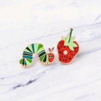 Ny jordgubbe Caterpillar Cartoon Plant Animal Badge Brosch Lapel Shirt Väska Rolig Gullig