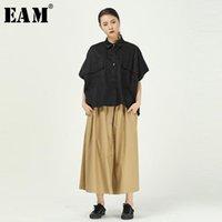 [EAM] Kadınlar Siyah Büyük Cep Bölünmüş Büyük Boy Bluz Yeni Yaka Yarım Kollu Gevşek Fit Gömlek Moda Gelgit İlkbahar Yaz 2020 1T6411