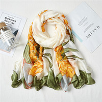 봄 2021 새로운 새틴 긴 스카프 유화 꽃병 인쇄 모조 실크 스카프 그린 스카프 여성을위한