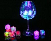 Mini luci della fabbrica Colore quadrato che cambia LED Cubetti di ghiaccio incandescente lampeggiante lampeggiante della novità Fornitura del partito