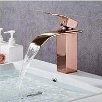 Rose Gold Ванная комната Смеситель для ванной комнаты Латунная Ванная комната Бассейн кран холодно и горячий водопад Смеситель для мойки Одноразовый палуба установлен кран