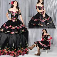 2021 Vestidos de quinceanera negra Charro Falda desmontable Floral Bordado del hombro Sweet 16 Vestido Tema mexicano más Tamaño Gótico