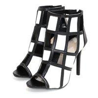 2020 сексуальные черно-белые сандалии Смешанные тубовые пятки с открытыми чашками высокие полые бомбы дышащие видят женщину обувь 6МКП
