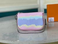 مع هدية مربع المرأة مصمم حقيبة مخلب حقيبة مع سلسلة جديدة التعادل صبغة العملاق سلسلة أكياس صغيرة الأزياء سلسلة جميلة أكياس M69269