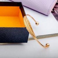 La manera simple hoja Brazalete color de moda de la personalidad la pulsera de metal de joyería de fundición regalo para el amigo