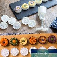 6pcs / set a forma di fiore a forma di mooncake muffa 50g torta stampo a mano pressione fondente luna torta decorazione strumenti taglierina cutter cutter strumento di cottura