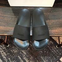 Yeni Sürüm Paris Slaytlar Erkek Bayan Yaz Sandalet Plaj Terlik Bayanlar Çevirme Siyah Eğlence Kaydırıcı Chaussures Moda Scuffs Ayakkabı