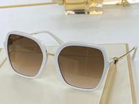 4077 Nouveaux Lunettes de soleil populaires Femmes Cadre Top Top Top Cadre Verres Inlaid avec diamants élégants Verres classiques UV400 Coffret de protection UV400