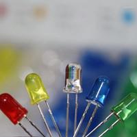 100pcs (5 couleurs x 20pcs) 5mm 3mm LED lumière émettant la diode ronde Couleur assortie blanc / rouge / jaune / vert kit box gdeal1