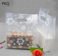 50pcs 20 * 28cm Grand sac de cadeau en plastique transparent favorable Bijoux Boutique emballage sac Sacs à provisions en plastique avec poignée1