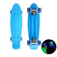 "Skateboarding 22 ""Skateboard Blinklicht Mini Cruiser Skateboard Kunststoff Longboard Bananen Fishard Street Outdoor Sport für Mädchen Junge"