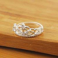 Venta al por mayor Venta de joyas de boda Noble Temperamento Crown Zircon Anillo de cristal Femenino Moda Color de plata Joyería LR010 H SQCUBU