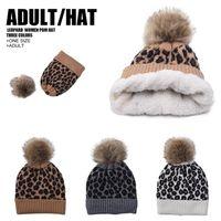 Kadınlar Örme Beanie Leopard Baskı Örme Şapka Ponpon Cap Kadın Açık Cap Moda Kış Skullies DDA634 Isınma