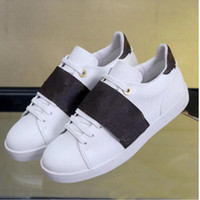 Chaussures de loisirs Spring Spring Spring Sneakers d'automne Cuir Hommes Blanc Femme Chaussures Gymnastique Danse Conduite Chaussures Casual Casual Grande taille 41-42-45