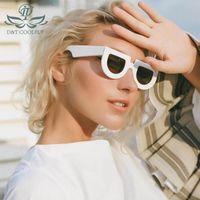 D&T 2020 New Fashion Shield Sunglasses Women Men Cool Color Lens PC Frame Party Beach UV Resistant Quality Sunglasses UV400