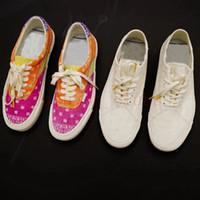 Nyaste Rhude X Broderare Diamo Mens Kvinnor Canvas Van Sneakers med All-Over Bandana Tema Old School Skateboard Slip-On Casual Shoes 36-44