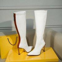 2020 مصمم المرأة الركبة الجوارب أحذية عالية العلامة التجارية السيدات الكعوب المدببة تو 9.5cm وبراءات الاختراع والجلود أحذية فستان مثير مارتن أحذية شتاء 35-40