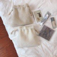 Sahne fest Warm Plüsch Kordelzug Kleine Tasche Bundle Tasche Zero Brieftasche Make up Tasche Lippenstift Kosmetik Aufbewahrung Handtasche