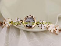 İnanılmaz Rahat Moda Kadının Petal Bilezik İzle Bayanlar Bling Rhinestone Mineral Cam Saatler Bayan Kızlar Kuvars Saatı AA00215