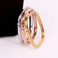 316L التيتانيوم الصلب شكل مربع الشكل مع واحد الماس في لونين للنساء مجوهرات الخطوبة