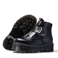 Высокое качество моды черная пряжка молния короткие лодыжки пинетки женщины натуральные кожаные ботинки мотоцилла большой размер 35-41