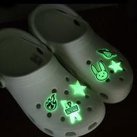 20pcs male coniglio Glow scarpe Charms luminosi Fibbie Charm Decorazione, croc scarpe accessori incandescente nel buio di trasporto