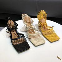 Sexy Net Net Lace Up High Saltos Altos Mulheres Sandálias Carneiros De Couro Quadrado Toe Designer Party Sapatos Chic Ankle Strap Sandálias de Verão
