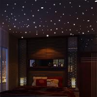 Home Decoration Glow Wall Sticker Sticker Vinile Luminoso Camera per bambini Stick Pareti Decalcomania Circolo Dot Star Design Room Decor Sticky Tip 3 3pd L2