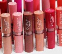 12 colores Mujeres Mantequilla de lápiz labial Precio de fábrica Largo Libro de labios Brillo Profesional Maquillaje Mantequilla Liptstick