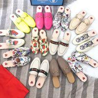 Yeni Katırlar Princetown Dantel Kadife Terlik Kadın Katır Loafer'lar Hakiki Deri Ayakkabı Toka Bees ile Daireler Yılan Desen Kürk Mules Ayakkabı