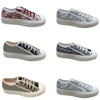 Fashion Lace Up Luxurys Designers Sapatos Mulheres Plataforma Plana Plataforma Branco Casual Baixo Tape Tape Tape 35-40 Vintage