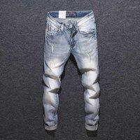 남자 청바지 이탈리아 스타일 패션 남자 가벼운 파란색 슬림 피트 찢어진 자수 데님 힙합 바지 빈티지 디자이너 homme1