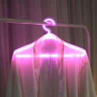 Colgador de ropa de LED creativo Perchas de ropa de neón Perchas de la lámpara de la lámpara Destacen romántico vestido de boda decorativo Rack 116 P2