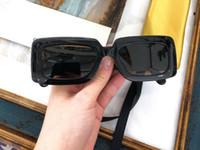 0811S Yeni Moda Güneş Gözlüğü Ile UV 400 Koruma Kadınlar Için Vintage Kare Çerçeve Popüler En Kaliteli Case Klasik Güneş Gözlüğü Ile Gel